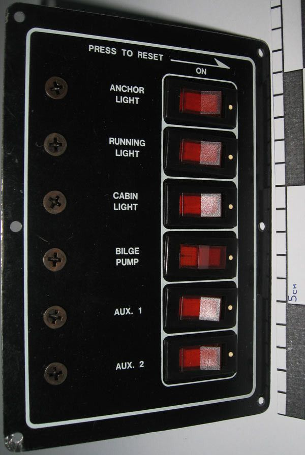 Панель переключателей SAIL 556-10526-12V